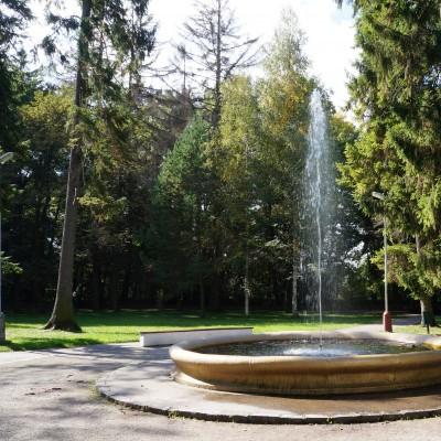 Historická fontána s vodostrekom